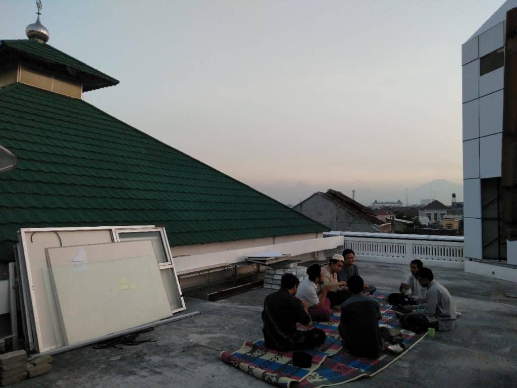 kegiatan-wisma-di-rooftop-mpd