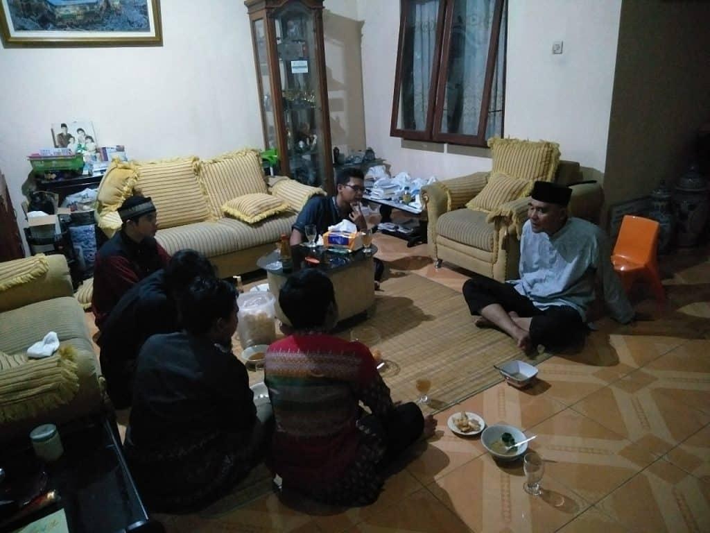 kegiatan-sosial-kunjungan-ke-warga-sekitar
